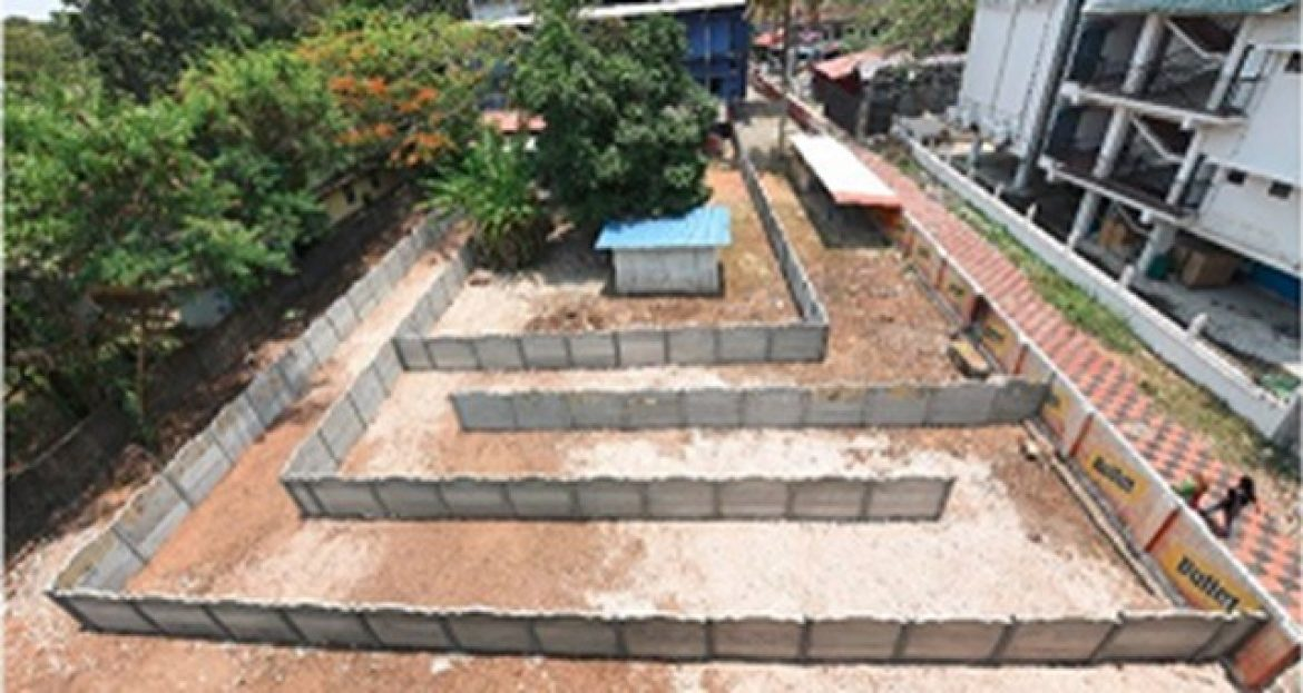 Kerala bar owner turns entrance into maze to bypass new law