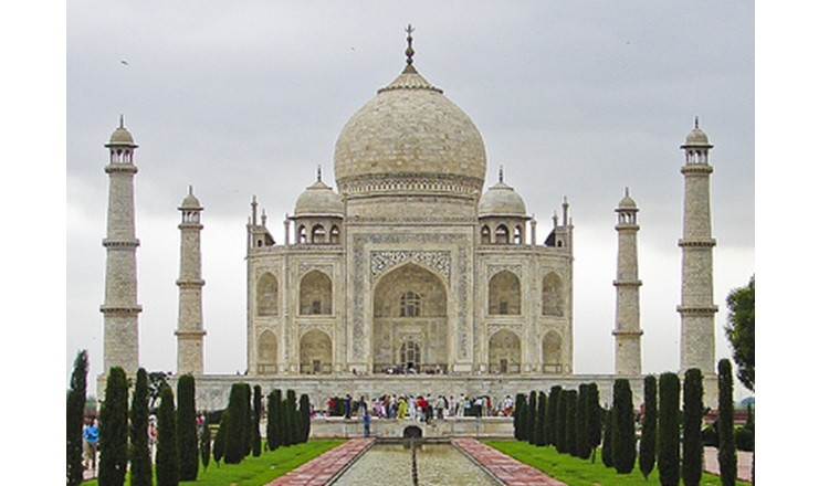 Taj Mahal, Agra: Most Famous Historical Monument of India